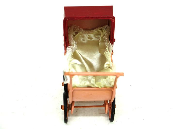 Dekoratif Metal Bebek Arabası