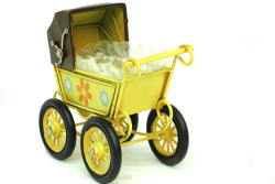 MNK - Dekoratif Metal Bebek Arabası (1)