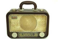 Mnk - Dekoratif Metal Radyo Bavul