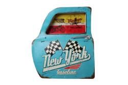 MNK - Dekoratif Newyork Temalı Mavi Araba Kapıs Saatli Duvar Rafı