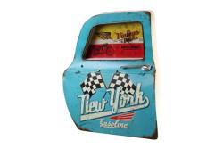 MNK - Dekoratif Newyork Temalı Mavi Araba Kapıs Saatli Duvar Rafı (1)