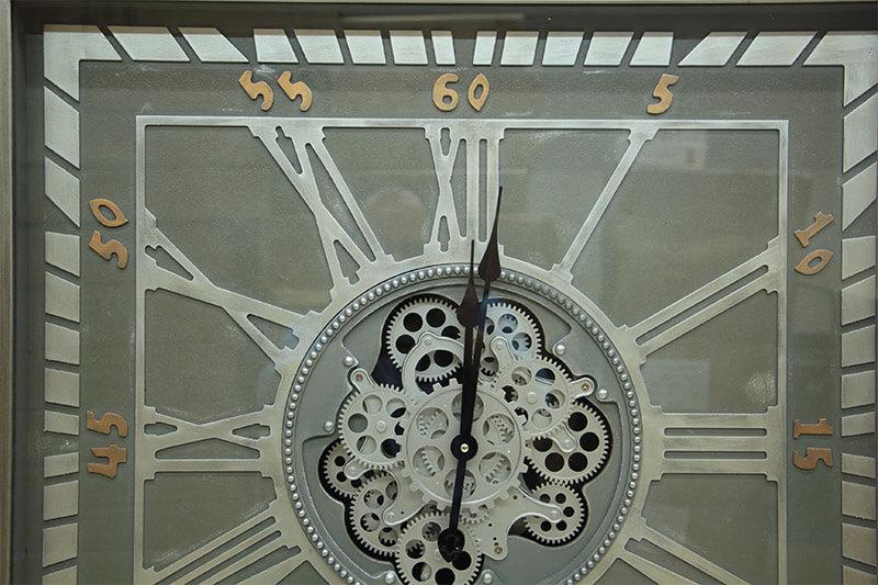 Kare Roma Rakamlı Yeşiloksit Çarklı Metal Duvar Saati