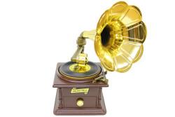 - Gramofon